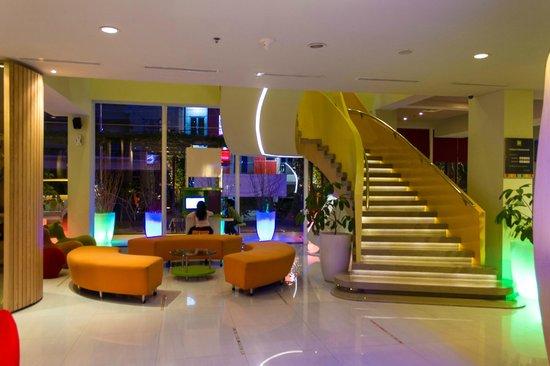 Ibis Styles Yogyakarta : lobby