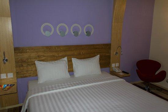 Ibis Styles Yogyakarta : bed