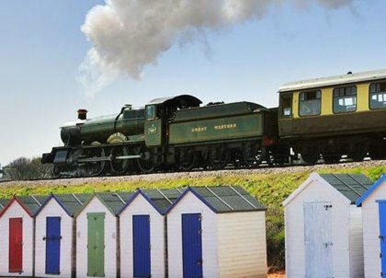 Dartmouth Steam Railway and River Boat Company: Lydham Manor over beach huts