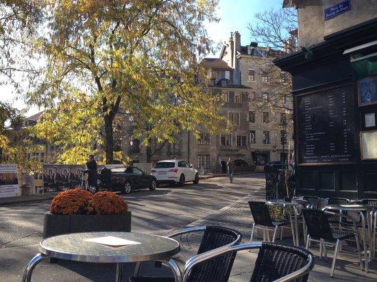 La Clemence: Place Bourg du Four