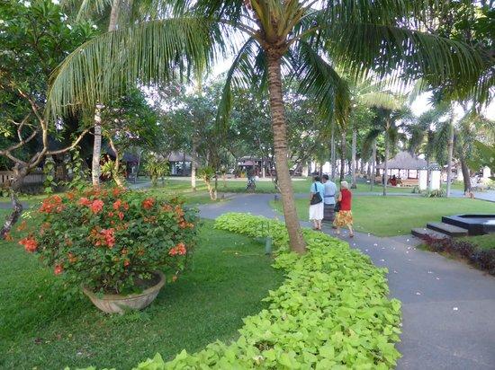 Segara Village Hotel: Beautiful spacious Garden