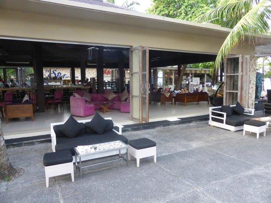 Segara Village Hotel: Beach Bar