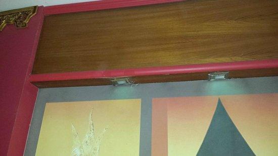 Sea Breeze Hotel: réparation aléatoire des luminaires