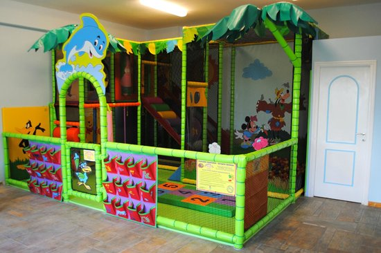 Dolphin Bay Family Beach Resort: Happy Kids Playground