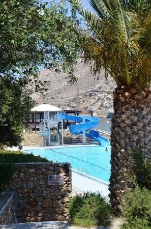 Dolphin Bay Family Beach Resort: Waterslide