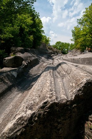 Glacial Grooves State Memorial: Looking up the Grooves