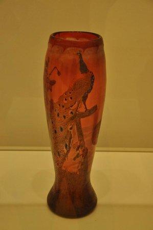 Musée d'Art moderne et contemporain : Desire Christian, Vase with peackock, 1900