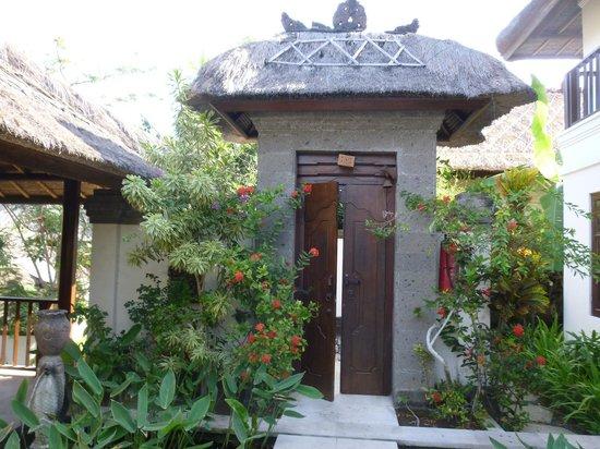 Karma Jimbaran: Entryway to the Villa