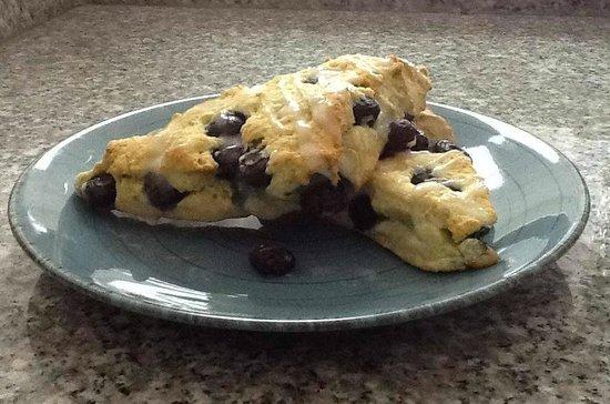 Cafe Viana: Blueberry Scones