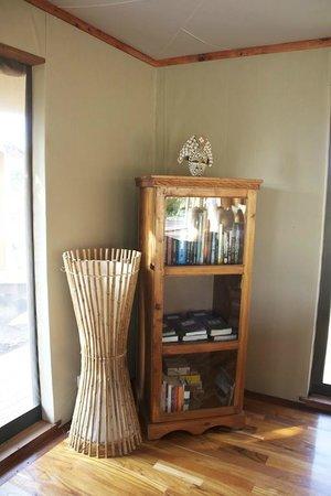 Sayari Camp, Asilia Africa: Bookcase Main Lodge