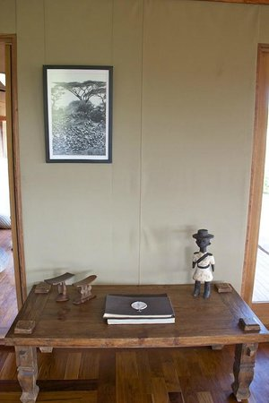 Sayari Camp, Asilia Africa: Guest Books Main Lodge