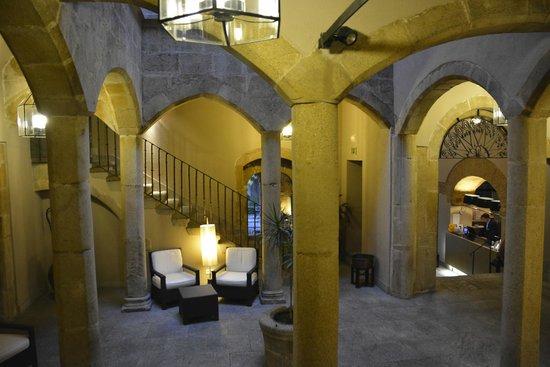 NH Collection Cáceres Palacio de Oquendo: Interior