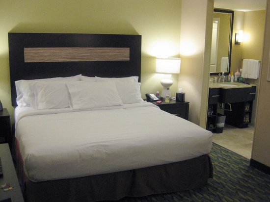 Homewood Suites by Hilton Orlando Airport : Studio Suite 409 Bed Area - 2013