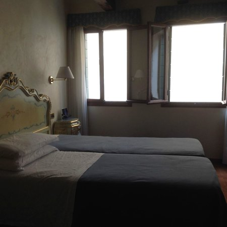 Hotel do Pozzi: Main bedroom