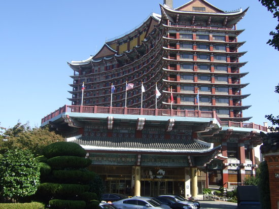 Hotel Commodore Busan: コモドホテル全景