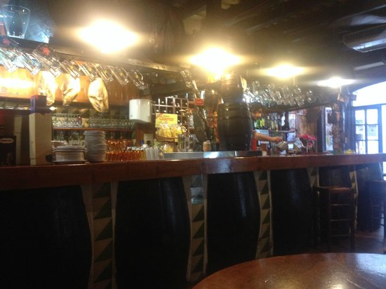 La Bota Bodega: La Bota bar
