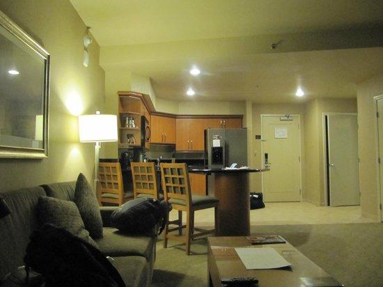 Platinum Hotel and Spa : гостиная номера