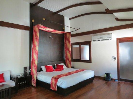 Aonang Phu Petra Resort, Krabi : Habitación