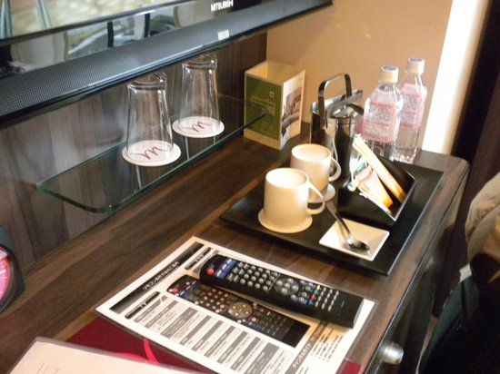 Mercure Okinawa Naha: In room desk.