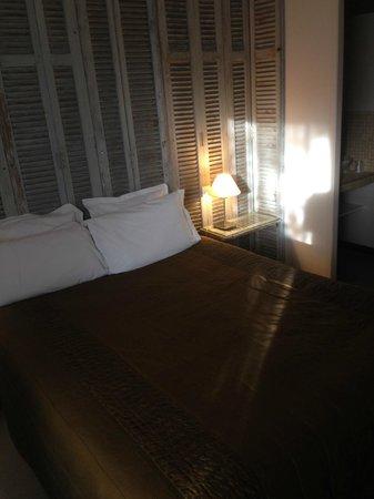 Hotel Bastide de Lourmarin: chambre la persienne