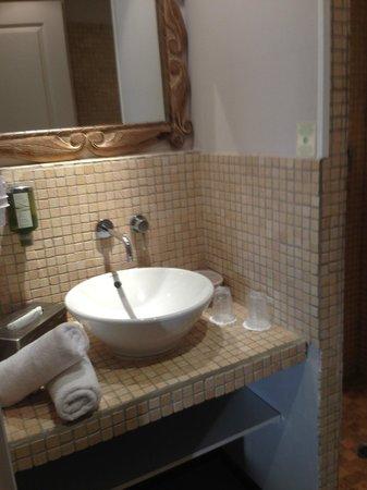 Hotel Bastide de Lourmarin: tout est prévu dans la salle de bain