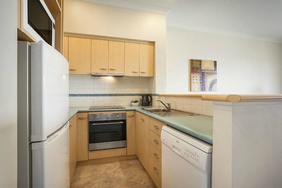 Quest Bunbury Apartment Hotel: Full kitchen in One, Two & Three Bedroom Apartments