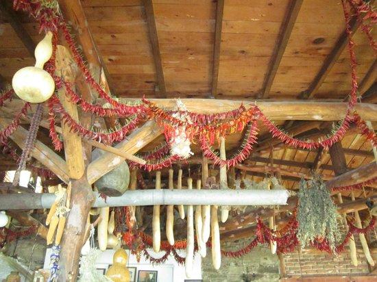 Kaplan Dag Restaurant: ceiling