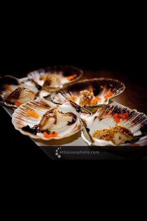 Heat Restaurang: Flamberade pilgrimsmusslor