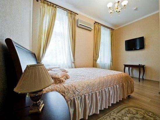 Hotel Evropeyskiy: №2 Двухместный номер с 1 кроватью и общей ванной комнатой (один санузел на два номера)
