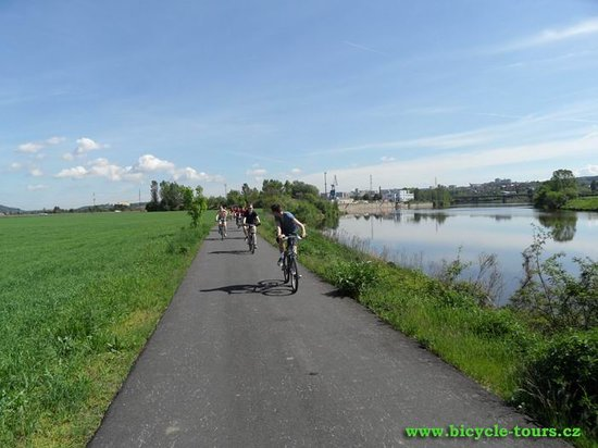 Ave Bicycle Tours - Day Tours: On Berounka river bank