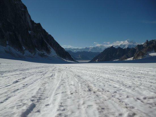 K2 Aviation: Pika Glacier
