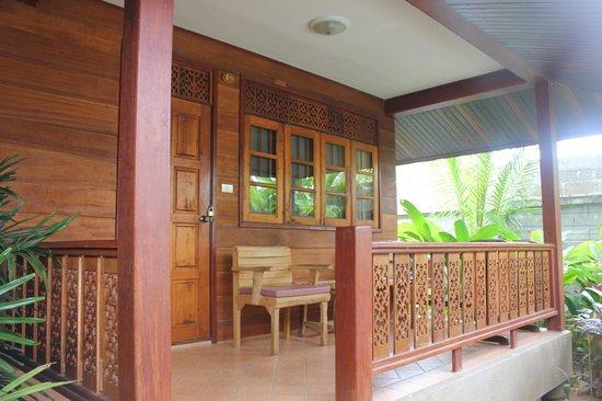 Smile House Resort : Terraza del bungalow