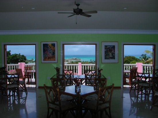 The Villas at Sunset Lane: Dining Room/Terrace & panorama