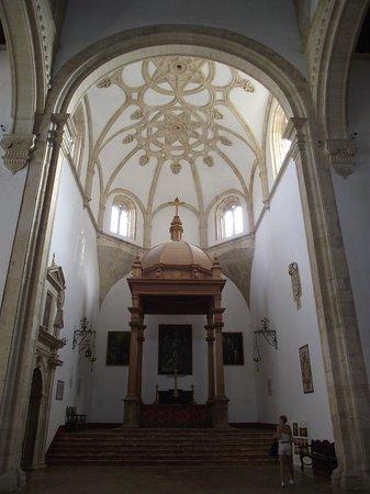 Colegiata de Santa María la Mayor: altar