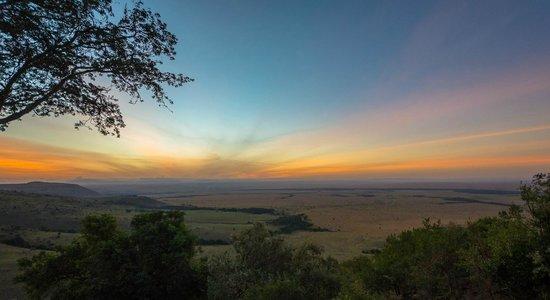 Mara West Camp : lever de soleil sur le Mara