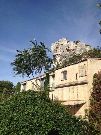 Baumanière les Baux de Provence: Bright autumn day