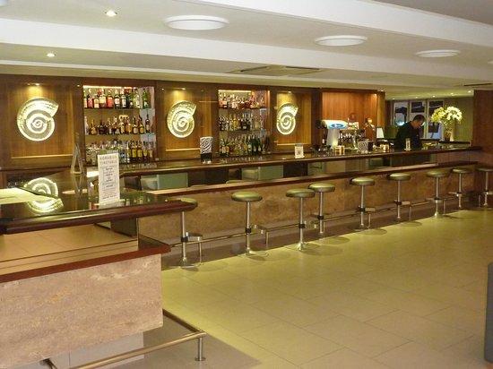 Java Hotel: Well stocked bar