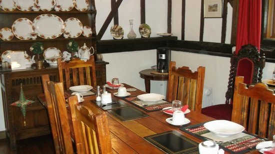 Holly Tree Cottage: dining room