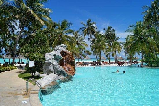 Sun Island Resort: Pool