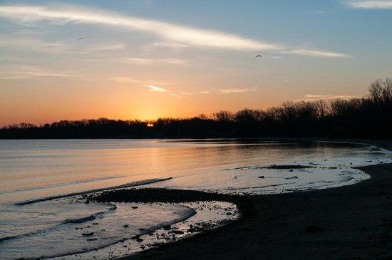 Kelleys Island State Park: Daybreak in November