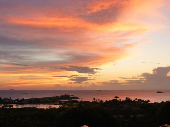 The Villas at Sunset Lane : One of the spectacular sunsets