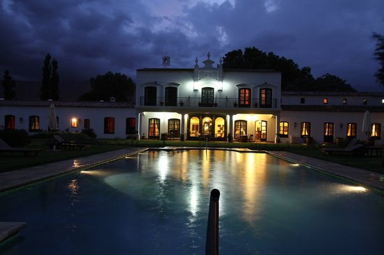Patios de Cafayate Wine Hotel: Vista nocturna