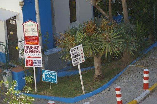 Monica Isabel Beach Club : panneau d'indication