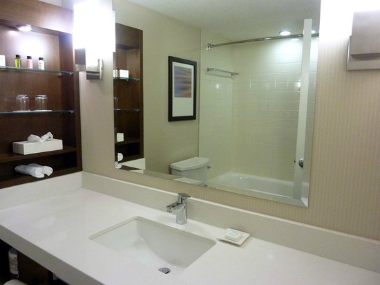 Delta Hotels Quebec : sparkly clean bathroom