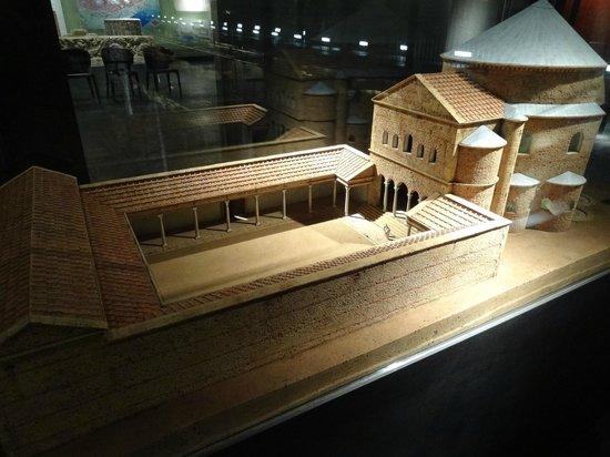Praetorium: Макет древнего преториума в музее