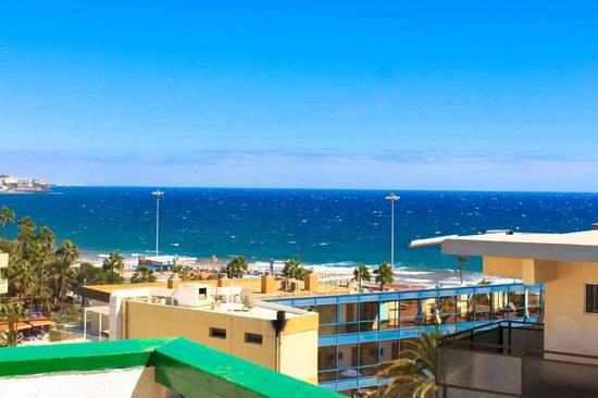 Apartamentos El Palmar: vue de la terrasse (si vue sur mer)