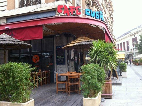 Cafe Cuba entrance
