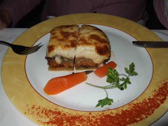 Apollon Garden Restaurant : Mousaka
