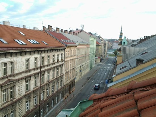 La Boutique Hotel Prague: vue sur les toits depuis notre chambre