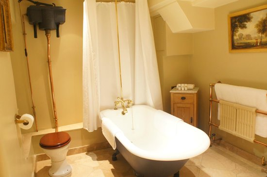 The Rookery Hotel: bathroom